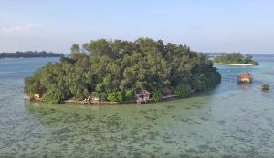 Exploring Pulau Macan: The tropical island that thinks it's a sailboat