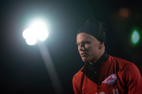 Erling Haaland gives Manchester United encouragement after official transfer talks with Salzburg begin