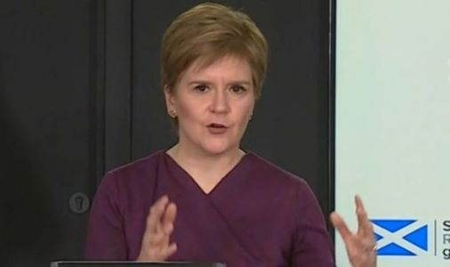 Nicola Sturgeon savaged for confusing coronavirus Christmas advice 'Don't travel or mix!'