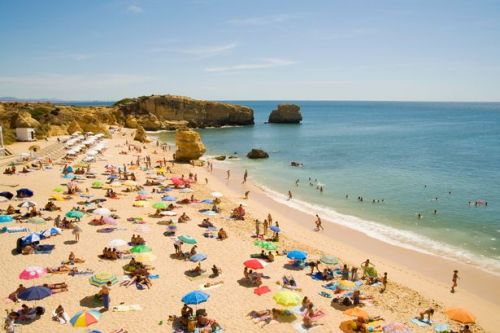 Airlines 'braced to cancel flights' as Portugal travel ban leaves them in limbo