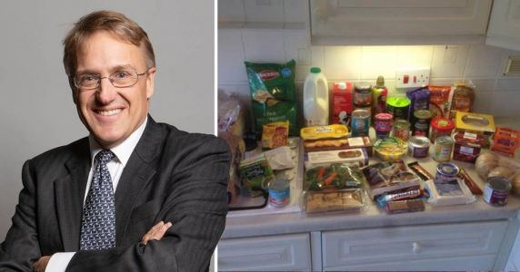 MP delivers groceries to elderly man in isolation who couldn't get delivery