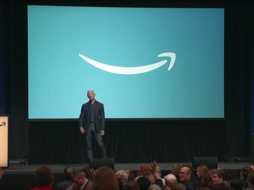 Watch the moment when an Amazon customer tried to return an order directly to Jeff Bezos during a question-and-answer session