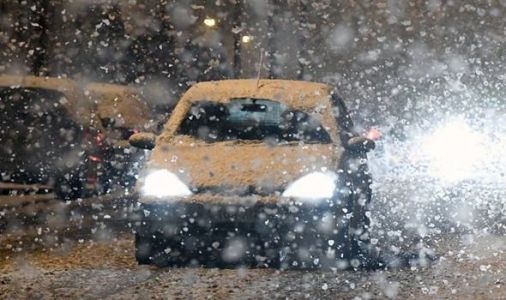 UK SNOW LIVE updates: Britain hit by HEAVY SNOW - latest photos and forecasts