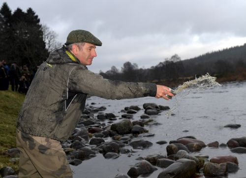 PICTURES: Robson Green opens River Dee salmon season