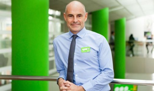 Asda staff march as clock ticks down to new contract deadline