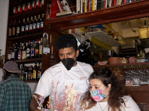 Government Says Face Masks Will Not Be Compulsory in Restaurants and Pubs