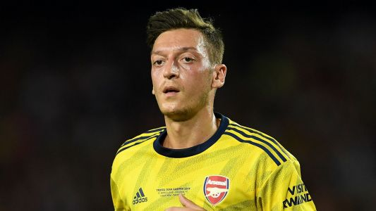 Arsenal playmaker Mesut Ozil wanted by Inter and AC Milan