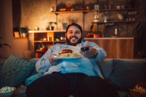 Why you shouldn't eat your dinner in front of TV if you're trying to lose weight