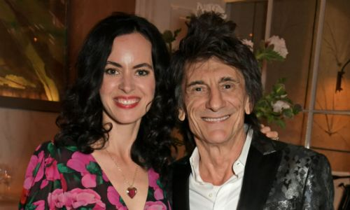 Ronnie Wood's twins dance with their famous dad in adorable video