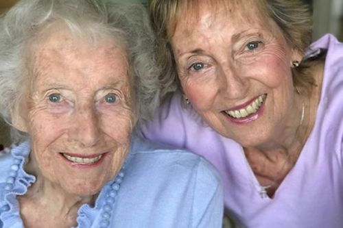 Forces sweetheart Dame Vera Lynn says 'things will improve if we pull together'