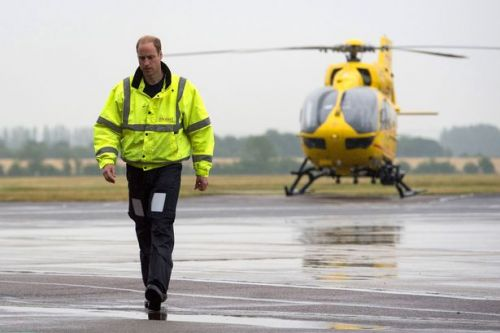Prince William 'wants to return to air ambulance' to help coronavirus fight