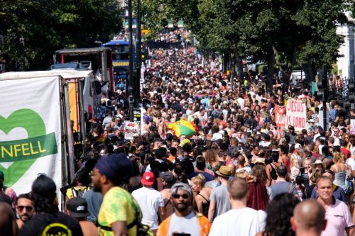 Revellers soak up the sunshine at hottest Notting Hill Carnival in history