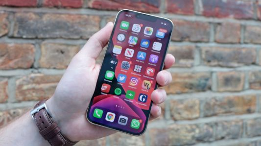 IPhone 13 and MacBook Pro already backordered for a month, forecasting holiday delays