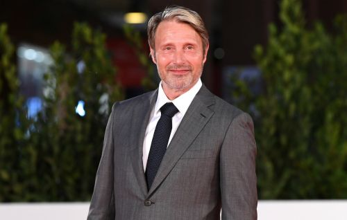 Mads Mikkelsen confirmed as Johnny Depp's replacement in 'Fantastic Beasts 3'