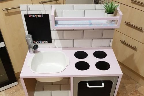 Mum creates stunning toy kitchen for daughter while self-isolating for just £30