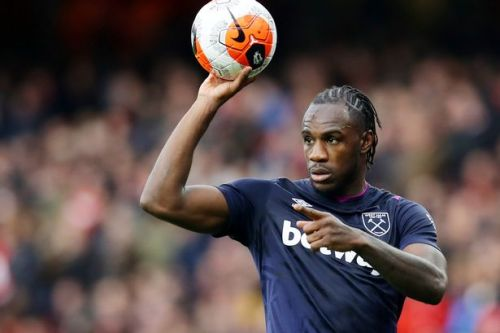 Michail Antonio pays heartfelt tribute after his dad passes away