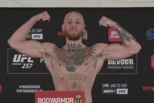 Conor McGregor weighs in for Dustin Poirier rematch at UFC 257