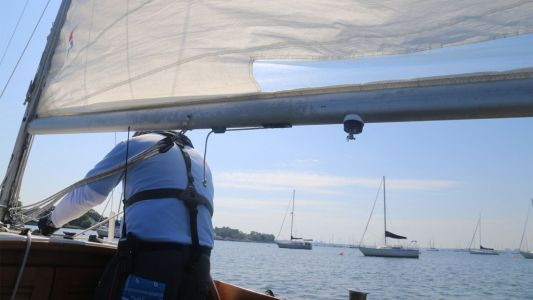 This group is teaching new sailors how to tackle plastic pollution