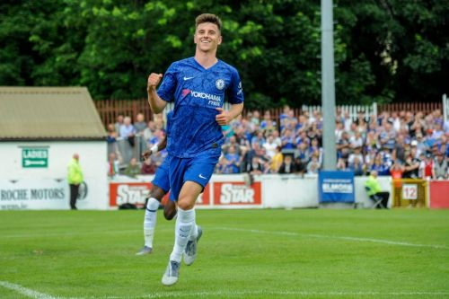 Mason Mount signs new Chelsea deal until 2024 after impressing in pre-season under Frank Lampard