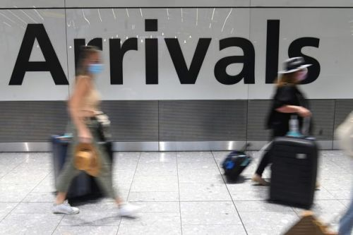UK arrivals 'to pay more than £1,000 for hotel quarantine stay' under new plans