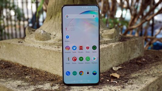 OnePlus 8 screen rivals the Samsung Galaxy S20 Ultra, according to DisplayMate