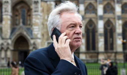 Brexit deal will come down to final seconds - David Davis ready for EU's last minute panic