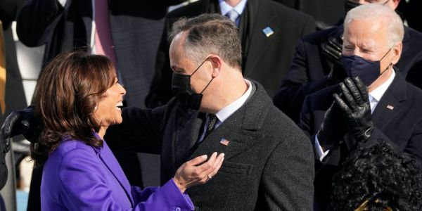 Striking photo shows Barack Obama greeting Vice President Kamala Harris at the inauguration
