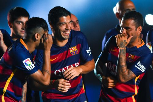 Neymar and Dani Alves join Lionel Messi in slamming Barcelona over Luis Suarez's exit