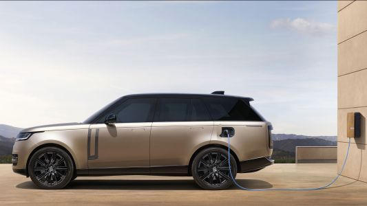 Range Rover will be first all-electric Land Rover, and it gets its biggest screens ever