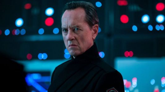 Rise of Skywalker's Richard E. Grant on How Star Wars Secrecy Impacts an Actor's Performance