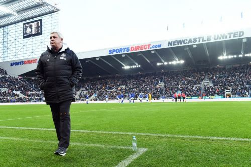 Newcastle's Steve Bruce prevents written press from asking questions after ending Zoom call after 4 minutes