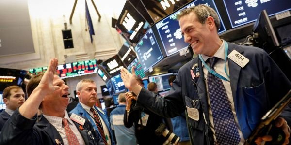 GOLDMAN SACHS: These are the 12 stocks most loved by hedge funds