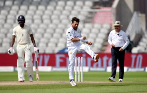 England 107 runs behind after brilliant Pakistan bowling display