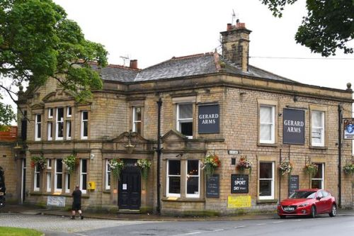 Pub shuts as staff member tests positive for coronavirus after Manchester trip