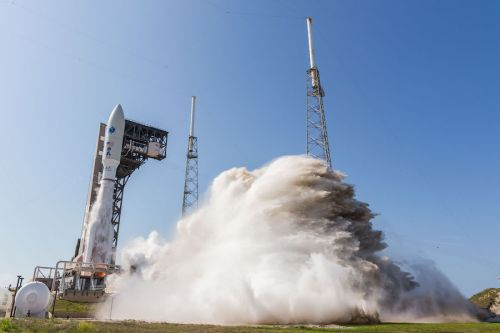 Photos: Atlas 5 soars into clear skies over Cape Canaveral