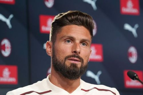"""Olivier Giroud predicts """"different class"""" Chelsea duo will """"become top players"""""""