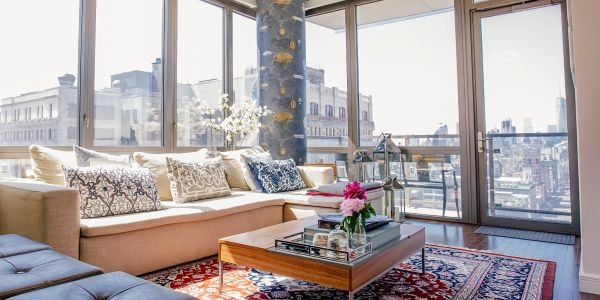 Manhattan rents are nearing record highs after seeing their biggest spike of the year - and luxury tenants are to blame