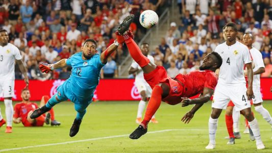 Altidore scores as U.S. beat Panama to win group