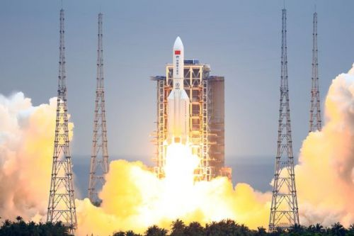 Chinese rocket crashes into the Indian Ocean, according to state media