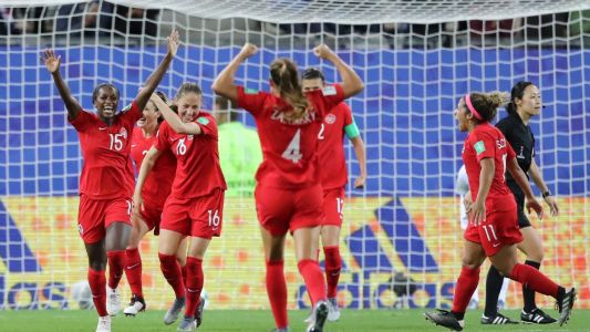 Canada book spot into last-16 with win at WWC