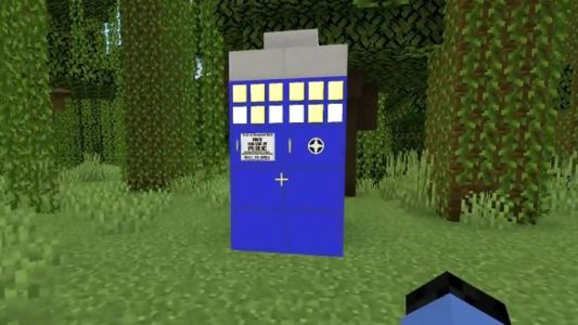 Minecraft players builds TARDIS from Doctor Who