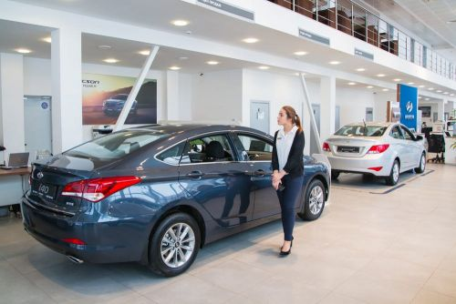 3 car-buying lessons I learned from working at a dealership that most people would be surprised to hear