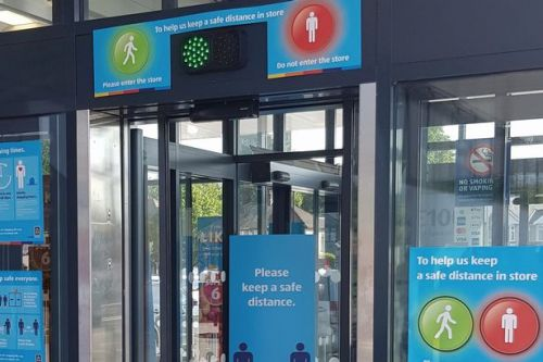 Aldi launches 'traffic light' system in Scots stores to let shoppers in and out