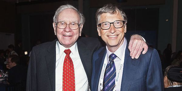 Warren Buffett tried to persuade Bill Gates to spend $370 million on an engagement ring
