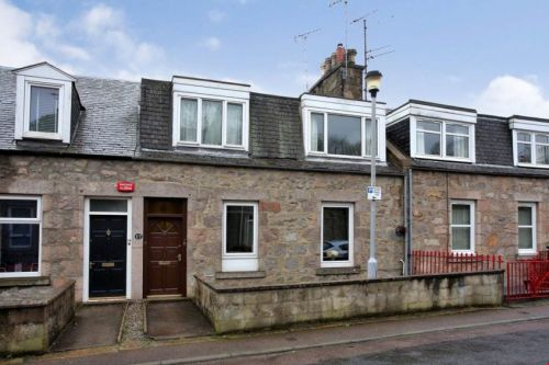 Offers over £130,000: US-bound owner leaves well-located Aberdeen home