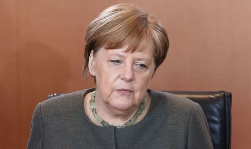 Merkel's party SLUMPS in poll despite Juncker praising German Chancellor as 'work of art'