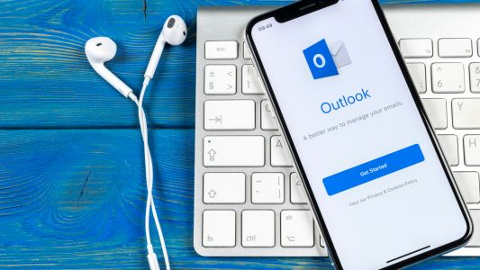 Microsoft Outlook is getting a handy new feature for mobile users in a hurry