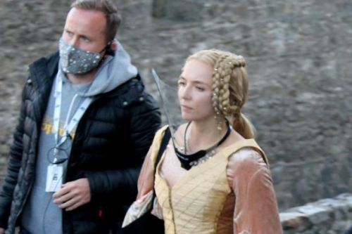 Jodie Comer and Matt Damon seen as they resume filming for The Last Duel