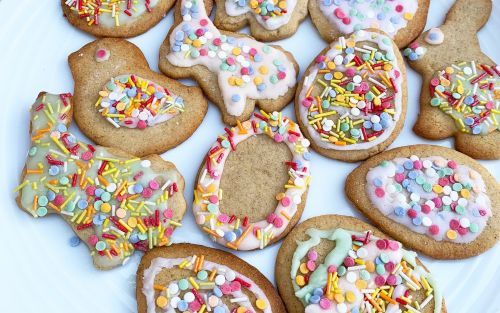 Easter iced biscuits recipe