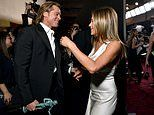 Backstage pictures of Brad Pitt and Jennifer Aniston send Twitter into a frenzy